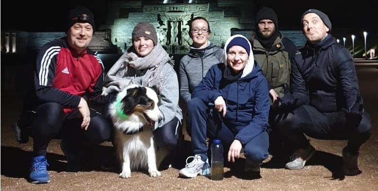 Gruppenfoto nach Treppenlauf