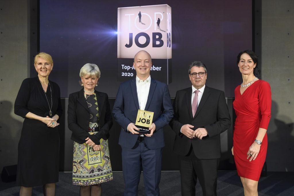 Christian Geyer erhält den Titel TOP JOB Arbeitgeber des Jahres 2020 vom ehemaligen Vize-Kanzler Sigmar Gabriel